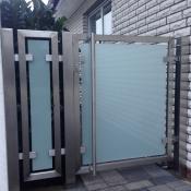 Edelstahl-Glastor